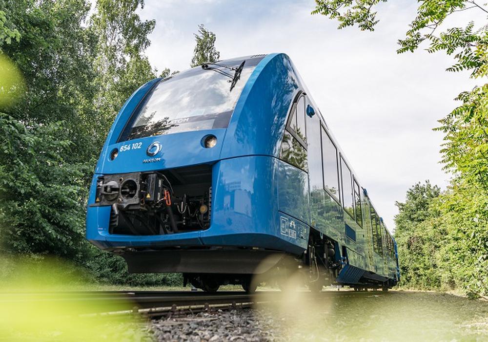 Coradia iLint ist der weltweit erste Wasserstoff-Brennstoffzellenzug und hat jetzt die Zulassung für den Passagierverkehr erhalten. Foto: Alstom