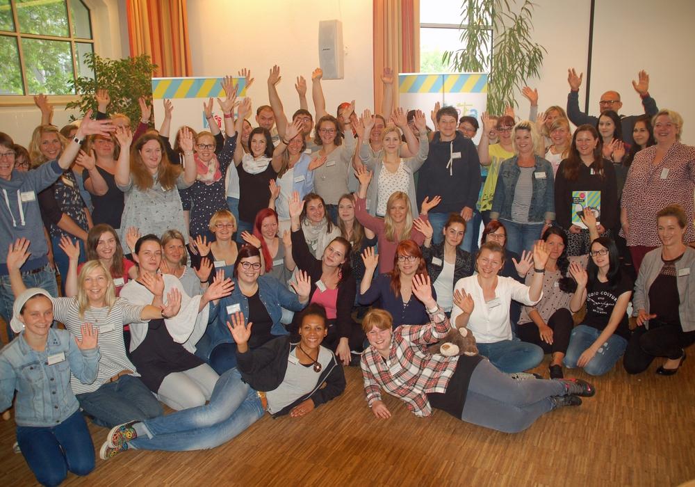 Die neuen Mitarbeiter der städtischen Kitas. Foto: Stadt Wolfsburg