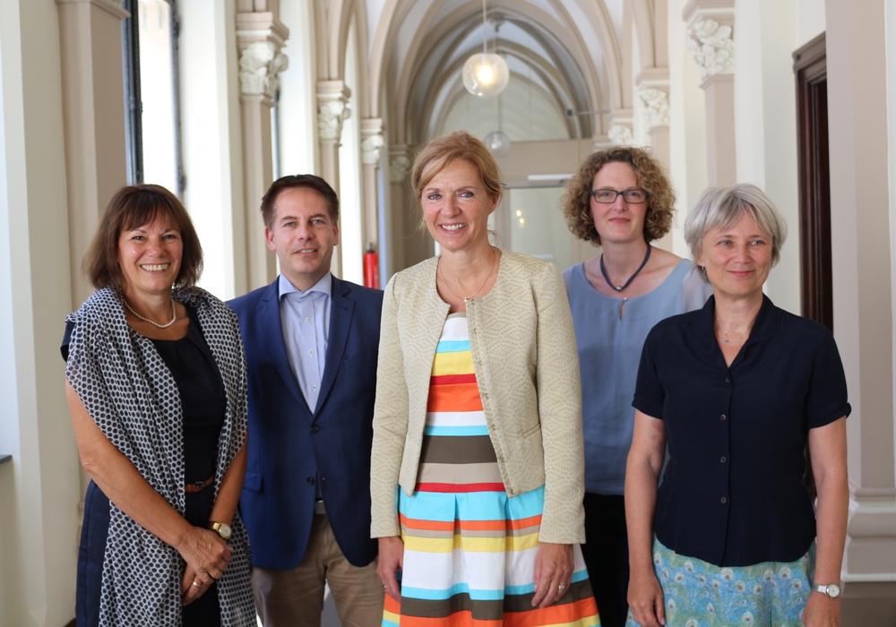 Barbara Kühnel, Martin Albinus, Dr. Andrea Hanke, Andrea Streit und Beatrice Försterra (von links), Foto: Robert Braumann