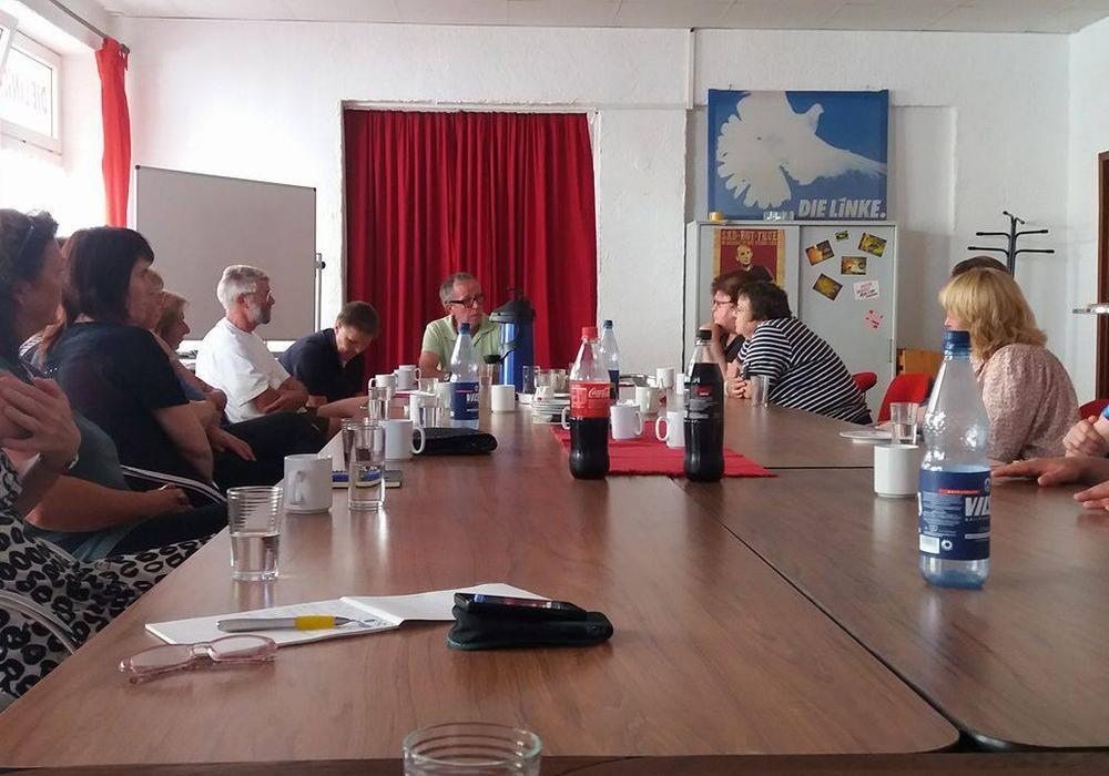 Vortrag im Sozialcafe der Linken Wolfenbüttel. Foto: privat