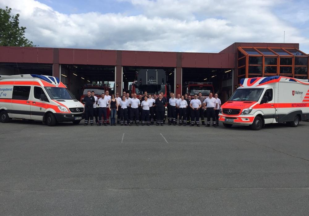 Mitarbeiter des Rettungsdienstes Landkreis Helmstedt/Malteser Hilfsdienst nehmen an gemeinsamer Weiterbildung teil. Foto: Privat
