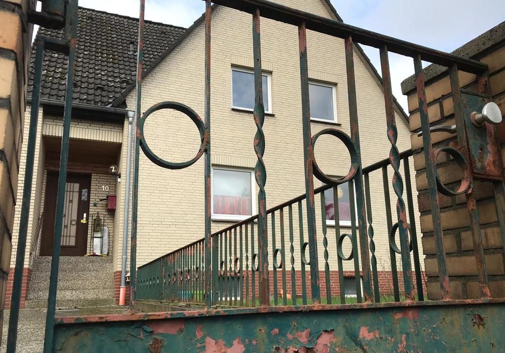 In einer Wohngruppe in diesem Haus soll es zum mehrfachen Missbrauch gekommen sein. Nun wurde Anklage erhoben. Foto: aktuell24