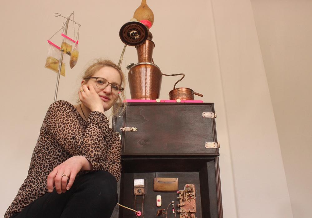 Die Künstlerin Sarah Mock lädt am Sonntag um 11:30 zum Gespräch in den Kunstverein. Foto: Archiv /Anke Donner
