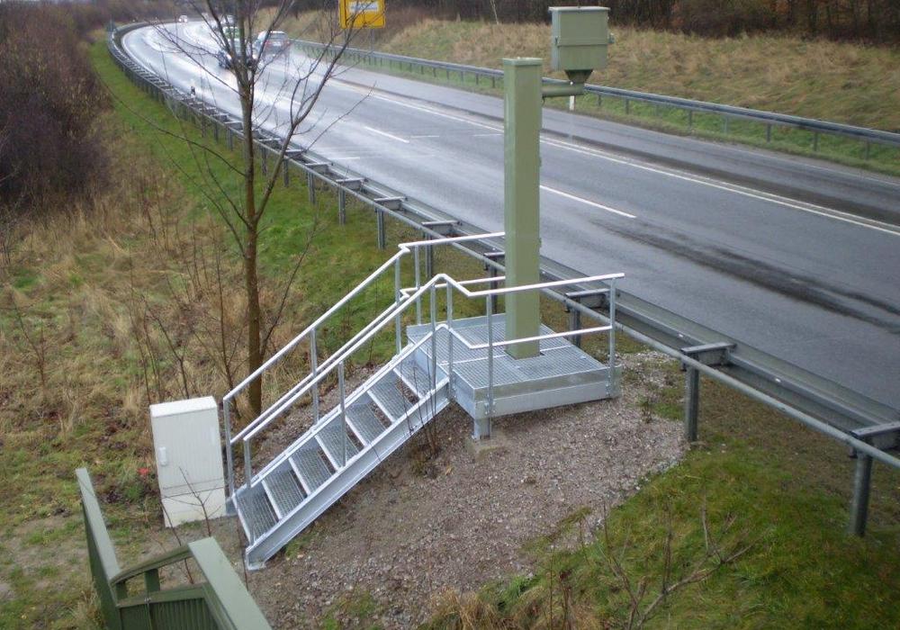 ffenbar sehr eilig hatte es vor kurzem ein Autofahrer auf der B 82 in Fahrtrichtung Seesen. In Höhe des Heizkraftwerkes im Verlauf der Ortsumgehung Langelsheim war der Fahrzeugführer mit 183 Stundenkilometern unterwegs. Symbolfoto: Landkreis Goslar