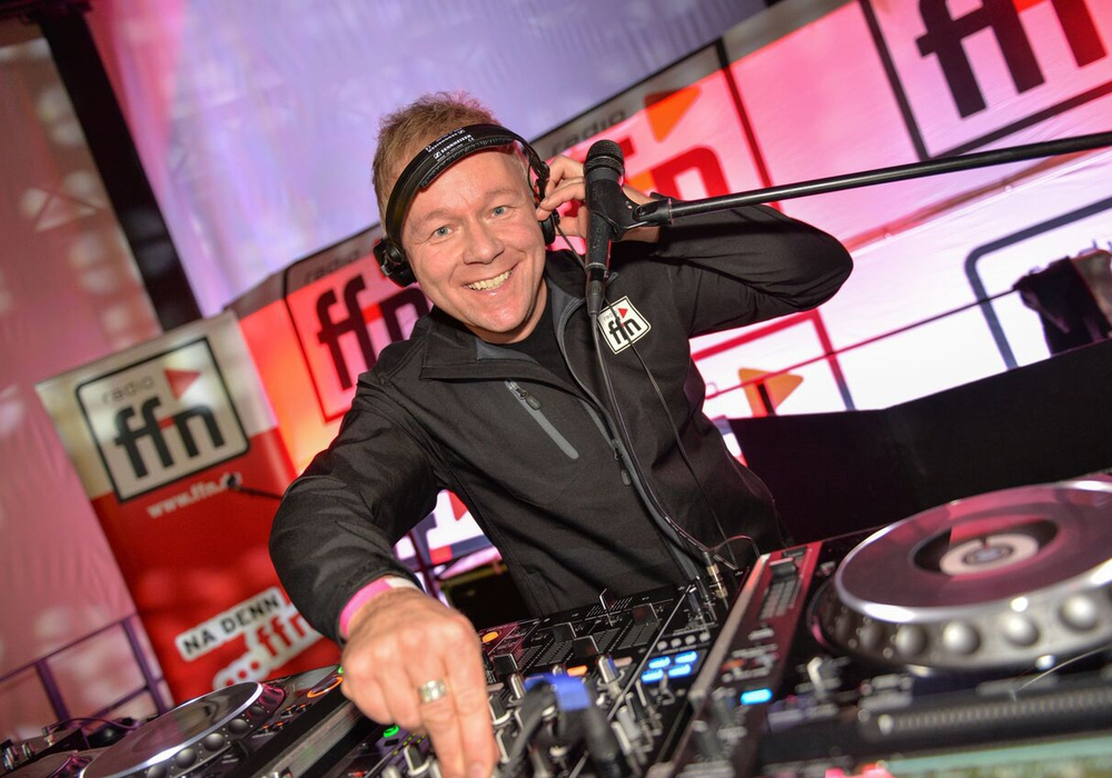 FFN-DJ Lars Engel soll den Feiernden musikalisch einheizen. Foto: FFN