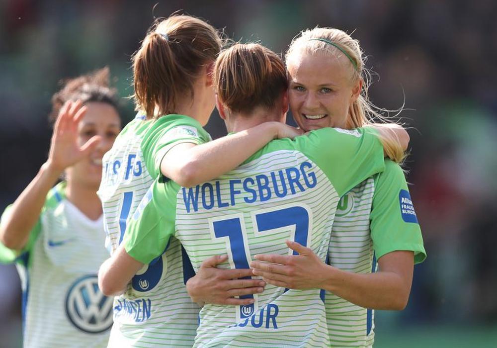 Leichter Aufgalopp in Hannover: VfL Wolfsburg-Frauen. Foto: Agentur Hübner