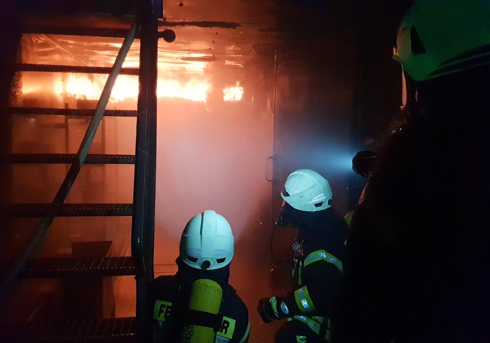 Die Kameraden trainierten unter Extrembedingungen. Fotos: Feuerwehr Goslar
