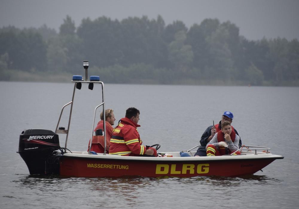 Gemeinsamer Wasserrettungsdienst am Tankumsee. Foto: Deutsche Lebens-Rettungs-Gesellschaft Ortsgruppe Schöningen e.V.