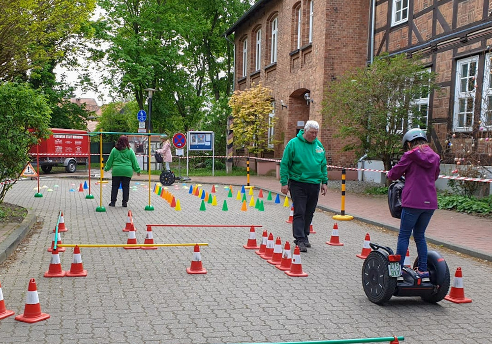 Segway-Parcours in Hornburg. Foto: DRK Wolfenbüttel