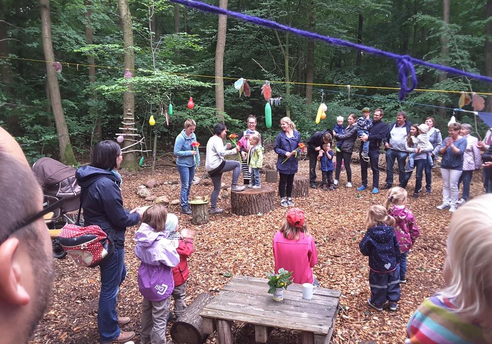 Die Waldkita in Essehof feierte jetzt ihr erstes Sommerfest mit vielen interessierten Besuchern. Foto: Gemeinde Lehre