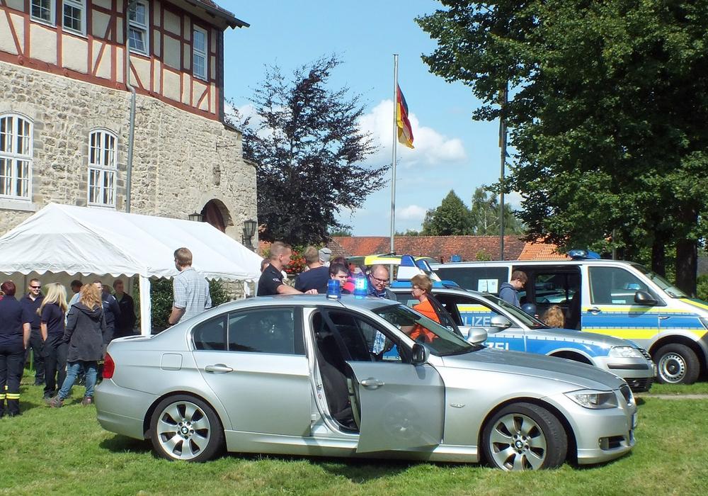 Die Polizei signalisierte beim SOS-Tag ihre Funktion als Freund und Helfer. Foto: Kreisverkehrswacht Helmstedt e.V.