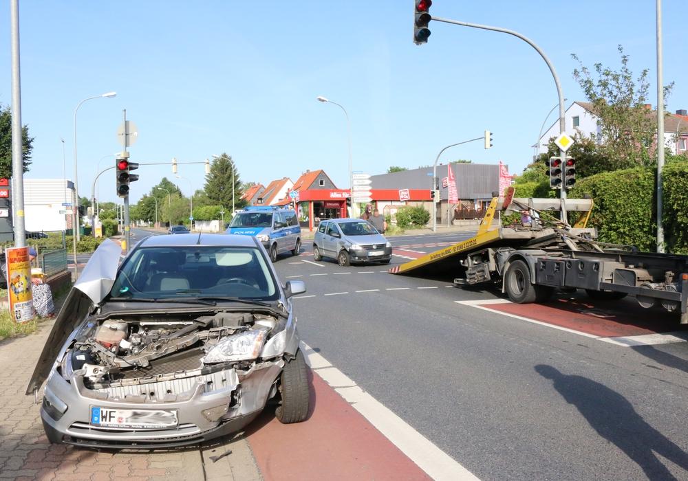 Hier hat es gekracht. Beide Fahrer geben an, bei Grün gefahren zu sein. Foto: Werner Heise