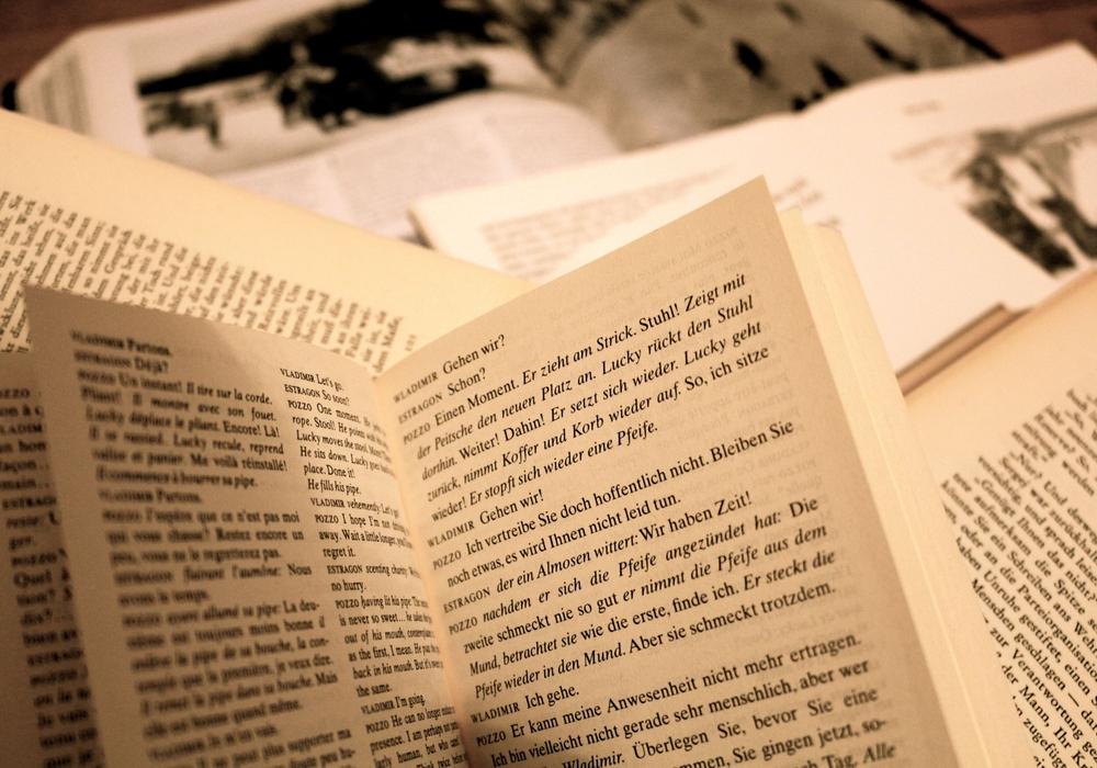 In der Brüdernkirche findet eine Lesung mit Andreas Jäger statt. Symbolfoto: Sina Rühland