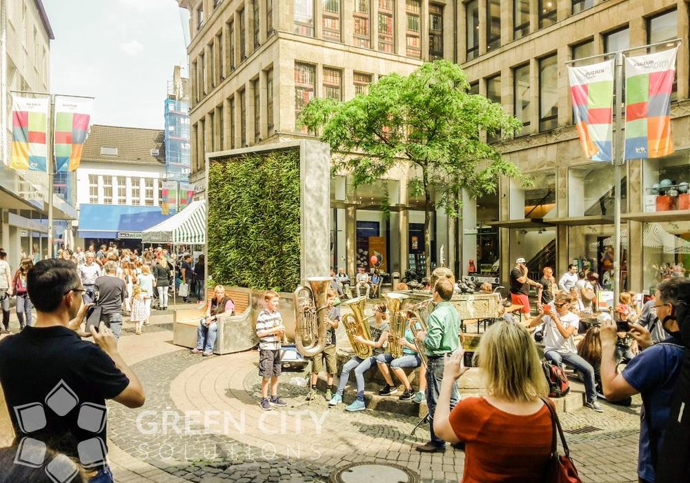"""Einsatz einer City Tree Wall im Rahmen von """"Kultur findet Stadt(t)"""" in Krefeld. Foto: GCS"""