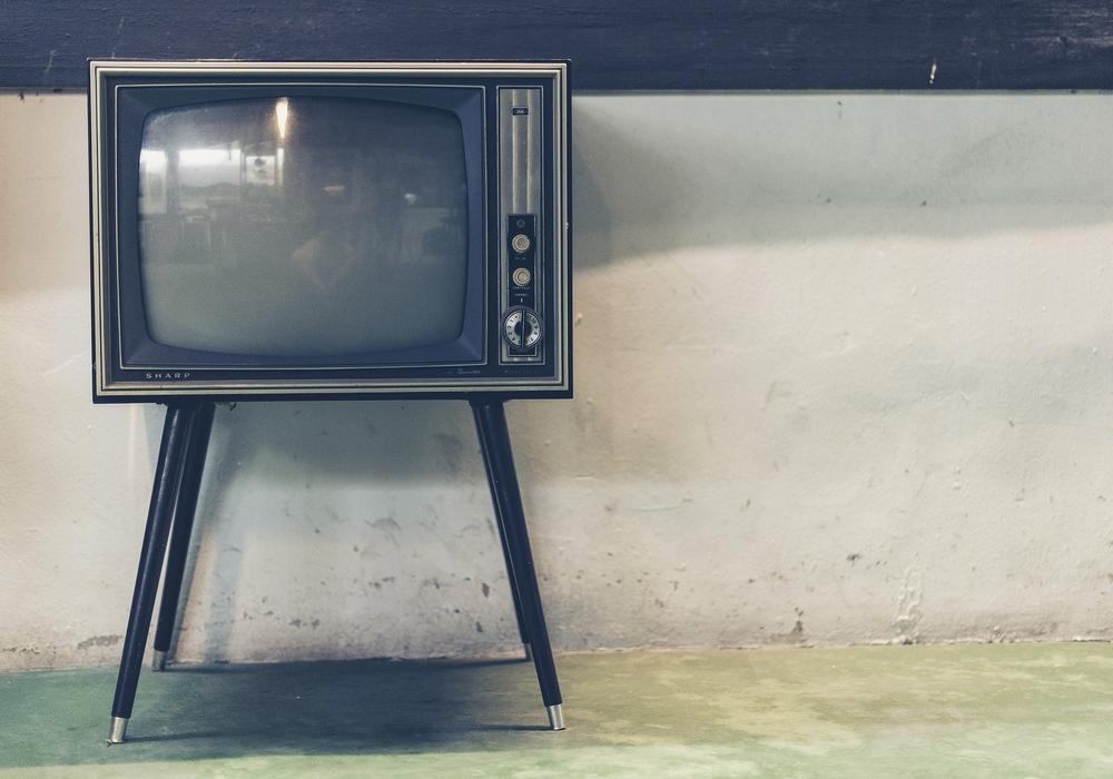 Die Dame saß vor dem Fernseher und hat nichts mitbekommen. Symbolfoto: pixabay