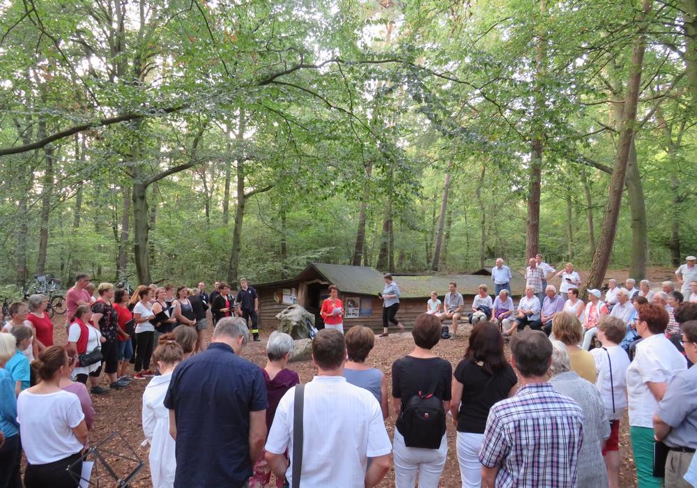 Wie hier beim gemeinsamen Singen der gemeindlichen Chöre im Essehofer Kral Ende August 2019 sollen weitere kulturelle Veranstaltungen entstehen und das Leben in der Gemeinde bereichern.