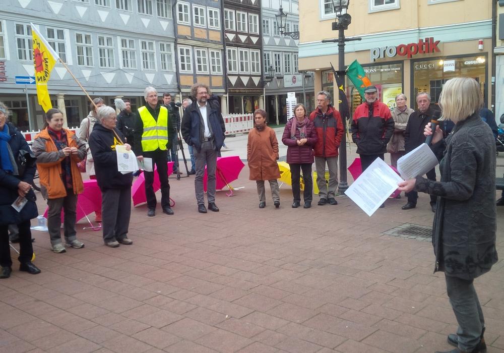 Mahnwache der Wolfenbütteler AtomAusstiegsGruppe. Foto: WAAG