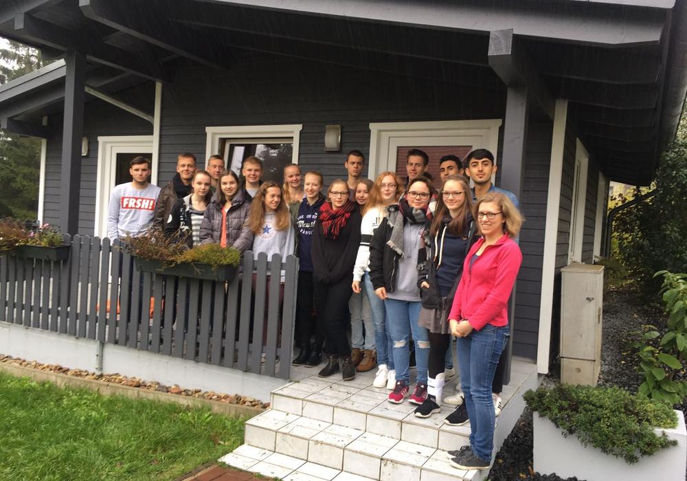 16 Flüchtlinge wurden in der Samtgemeinde Elm-Asse zu Jugendgruppenleitern ausgebildet. Foto: Privat