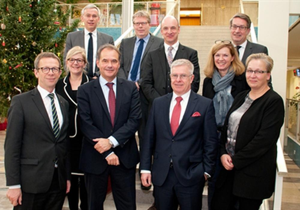 Oberbürgermeister und Dezernenten trafen sich in Wolfsburg. Foto: Stadt Wolfsburg