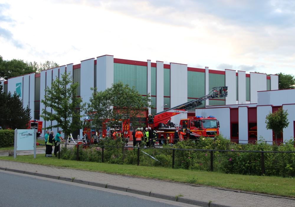 Der erste Zug der Goslarer Feuerwehr übte am vergangenen Mittwoch im Rahmen der Zugausbildung bei der Firma EuropTec. Foto: Feuerwehr Goslar