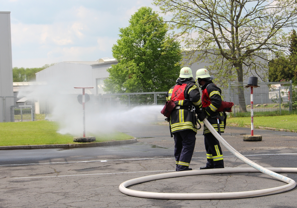 """""""Wasser marsch!"""", hieß es beim Feuerwehrwettkampf in Wolfenbüttel. Fotos: Christoph Böttcher"""