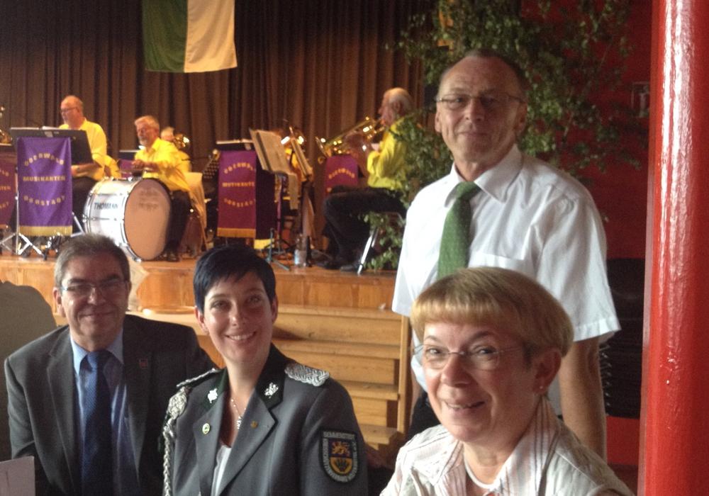 Sitzend von links: Karl-Jürgen Heldt, Sarah Grabenhorst-Quidde, Veronika Feldmann. Stehend: Bernward Köbbel. Foto: Privat