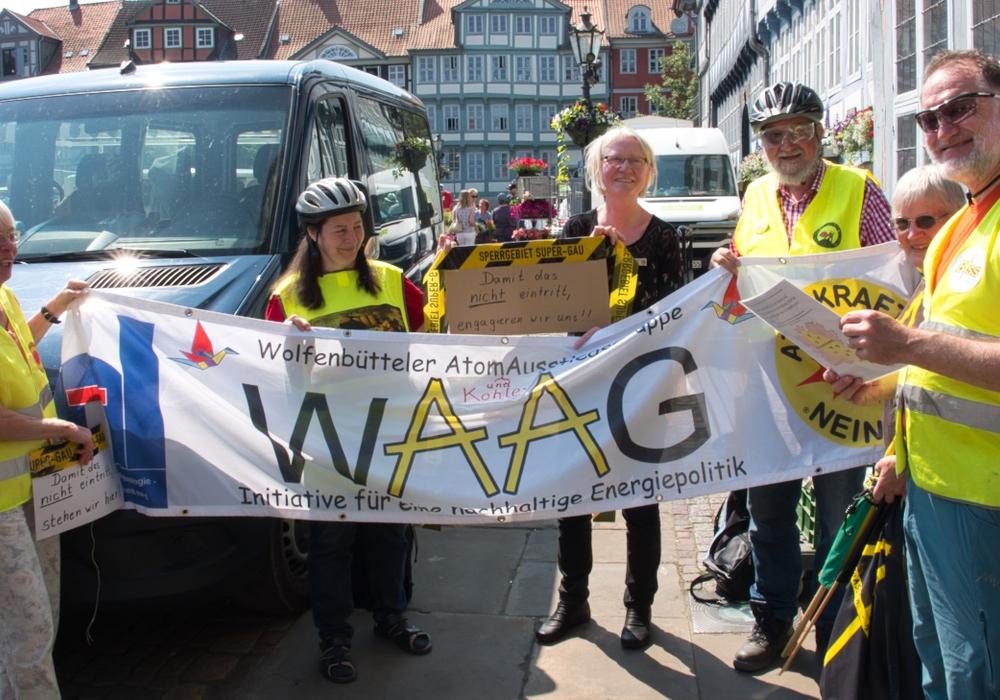 Am kommenden Montag lädt die WAAG zur monatlichen Mahnwache ein. Foto: Wolfenbütteler AtomAusstiegsGruppe