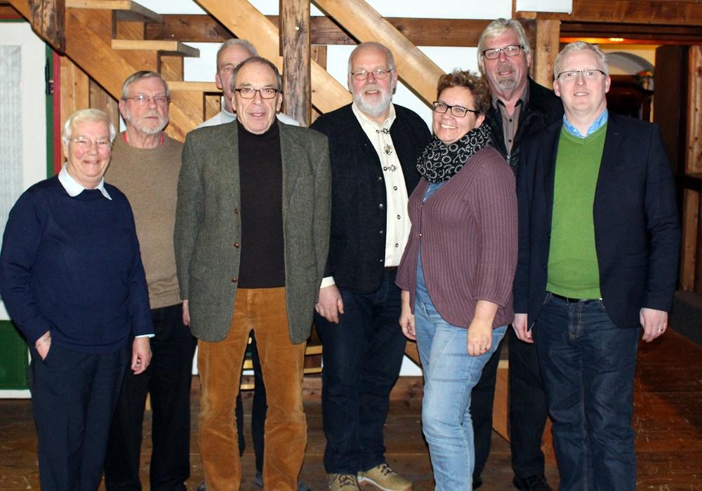 Neuer Vorstand. Von links: Hiltrud Bayer, Horst Höfken, Olaf Albrecht, Arnd Stöckmann, Detlef Sandvoß, Sonja Hensel, Michael Sandte u. Falk Hensel. Foto: Privat