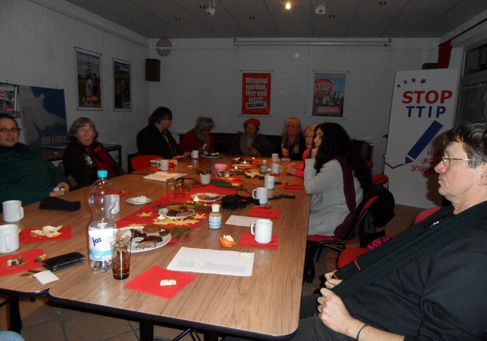 Gemütliches Zusammensein zum Jahresende im Sozialcafé. Foto: Privat