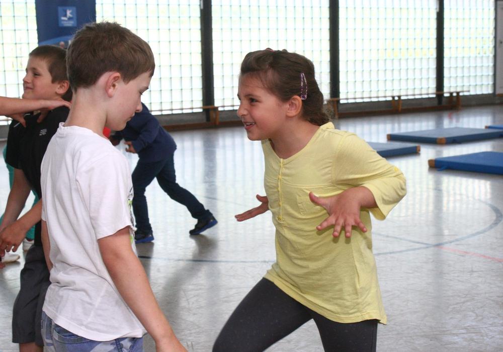Die Stadt und das Jugendzentrum Westhagen bieten einen Workshop für Kinder an. Symbolfoto: Anke Donner