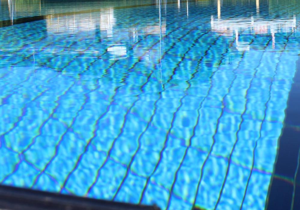 Auch im Freibad Fallersleben kann bald geschwommen werden. Symbolfoto: Anke Donner