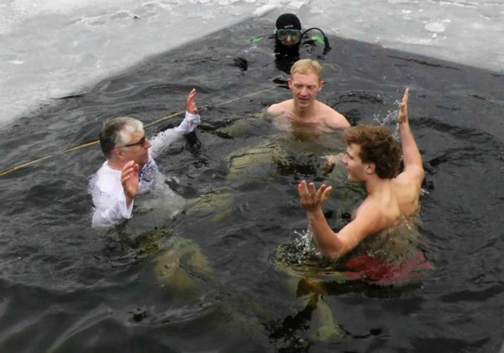 Das Eisschwimmen findet bereits seit einigen Jahren statt. Foto: Verein/Archiv