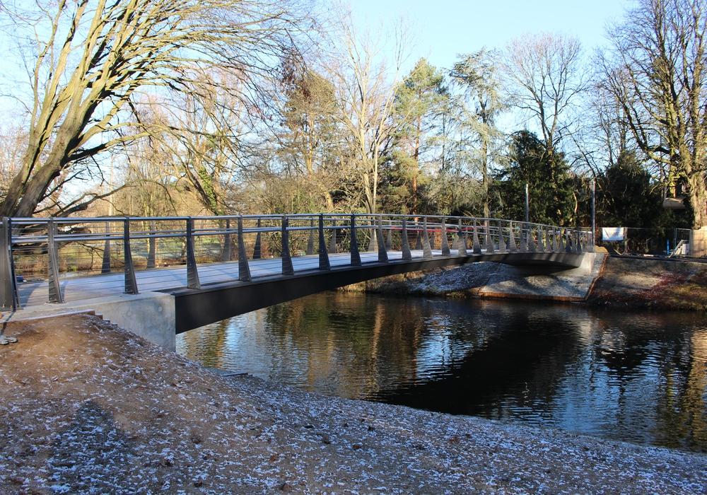 Bereits 2016 wurde die neue Hennebergbrücke eingeweiht und könnte nun als Musterbeispiel für die Hoheworthbrücke dienen. Foto: Alexander Dontscheff