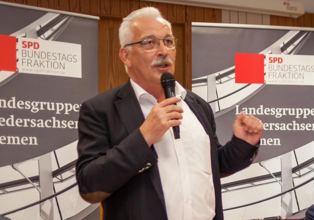 """Der SPD-Bundestagsfraktion, Dr. Wilhelm Priesmeier fordert: """"Einsatz von besonders wirksamen Antibiotika muss reduziert werden!""""Foto:  Alec Pein"""