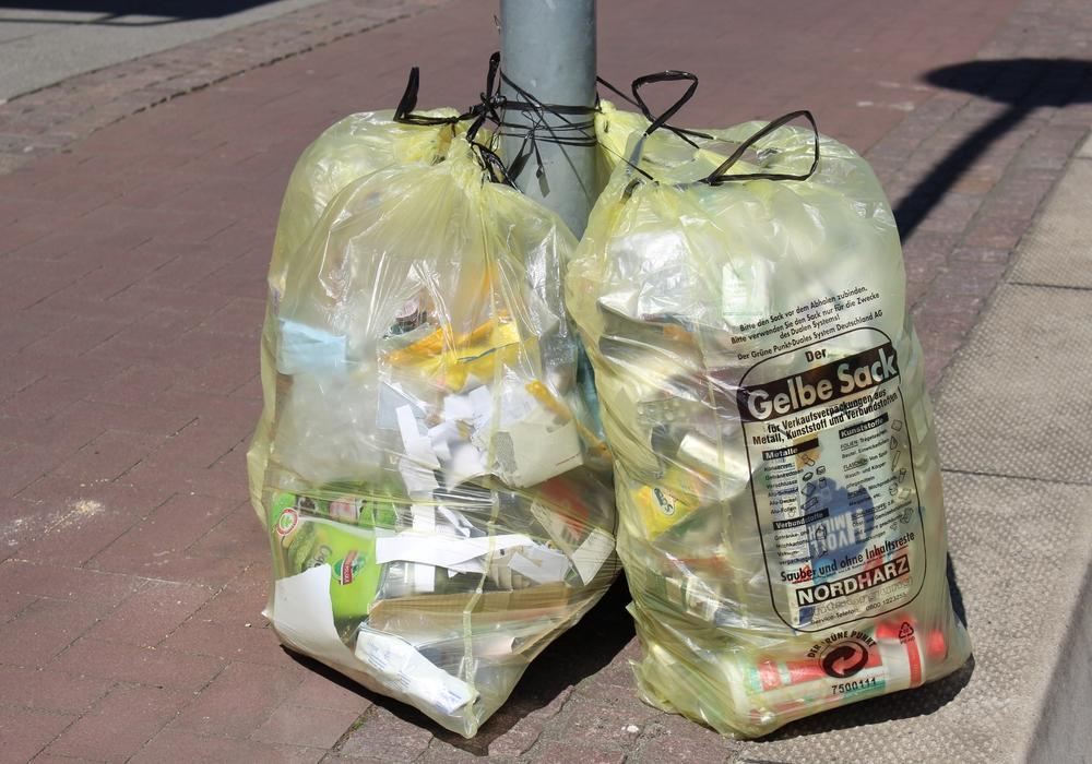 Ein gelber Sack sollte laut ALBA für zwei Wochen ausreichen. Symbolbild: Max Förster