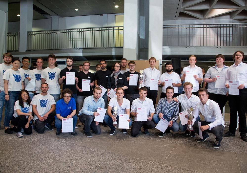Am Tag der jungen Software-Entwickler 2017 wurde Studierende der TU für Programmiersprache, Simulation von Sumo-Ringkämpfen und Datensicherheit ausgezeichnet. Foto: TU Braunschweig