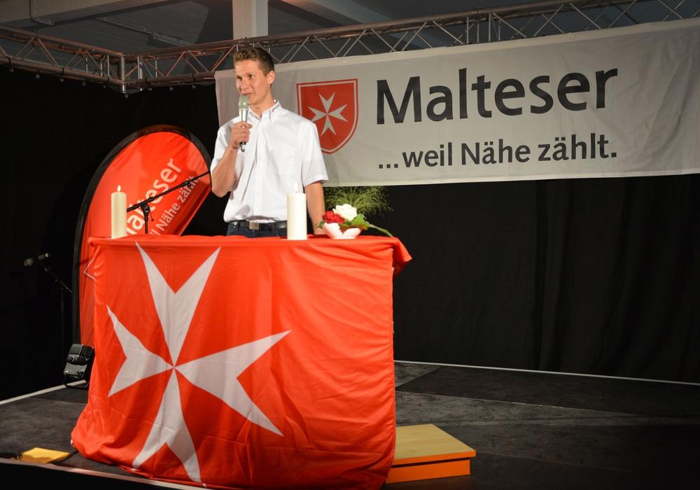 Nicolai Hollander bei der Schließung der Malteser-Notaufnahmeeinrichtung in Celle-Scheuen 2016, deren Leiter er damals war. Foto: Malteser