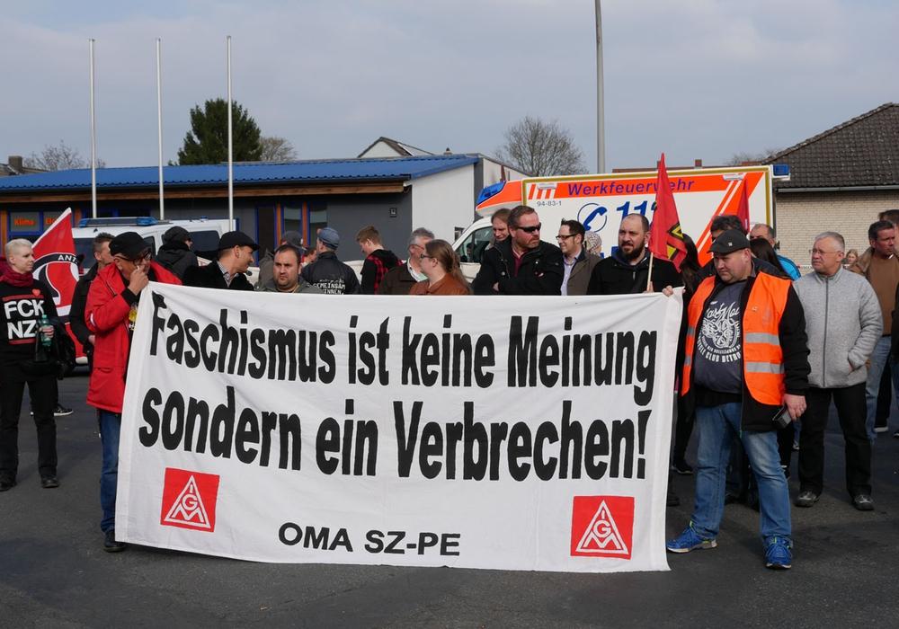 Die IG Metall Salzgitter-Peine auf einer Demo gegen Rechts in Salzgitter Thiede. Archivfoto: Alexander Panknin