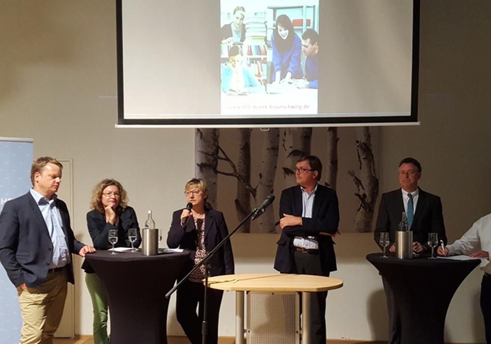 v.l.n.r.: Christoph Bratmann, Prof.Dr. Rita Meyer, Frauke Heiligenstadt, Gerd Meister, Dr. Bernd Meier, Michael Kleber