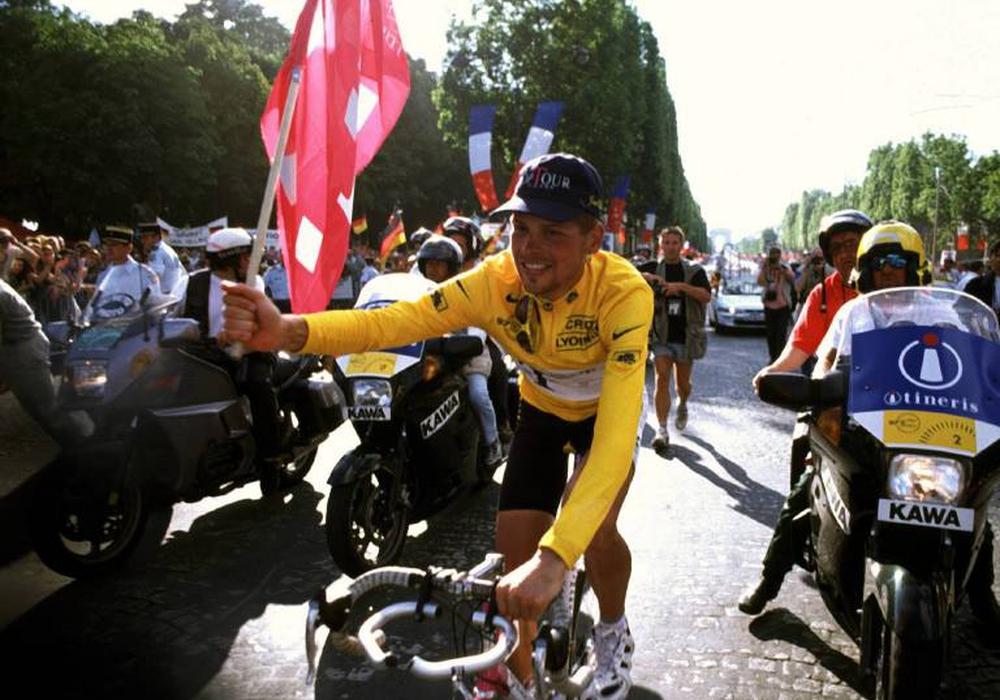 Jan Ullrich, hier 1997 in Paris als Sieger der Tour de France, startet im September beim Jedermann-Rennen in Braunschweig. Foto: imago/Kosecki
