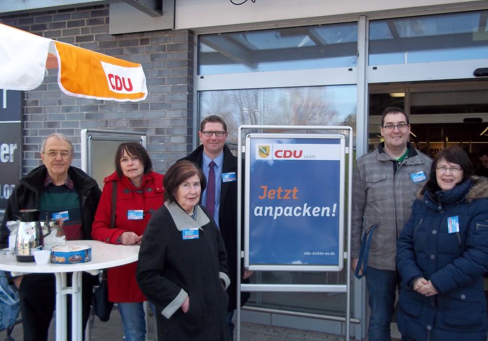Johann Seifert (CDU-Ratsmitglied und –kandidat), Ulrike Bosse (CDU-Ratsmitglied), Rosemarie Gerlach (CDU-Bürgervertreterin), Marco Kelb (CDU-Ratsmitglied und Bürgermeisterkandidat), Andreas Kleindienst (CDU-Ratskandidat) und Annegrit Helke (CDU-Ratskandidatin), Foto: Privat