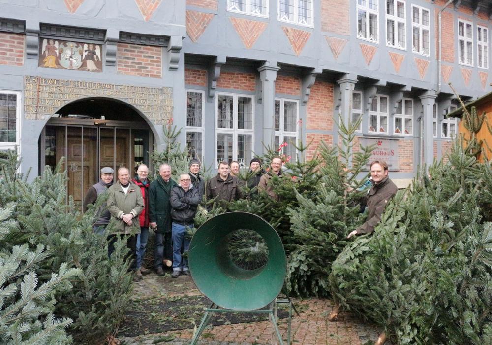 Der Rotary Club verkauft auch in diesem Jahr seine Bäume auf dem Weihnachtsmarkt. Foto/ Archiv: Robert Braumann