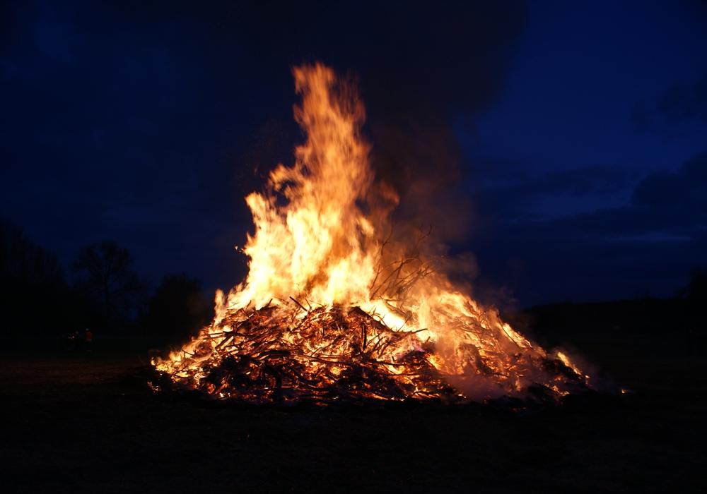 Hier finden dieses Jahr die Osterfeuer in Stadt und Landkreis statt. Symbolfoto: Anke Donner