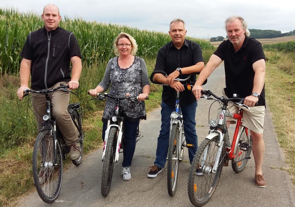 Die Unabhängige Wählergemeinschaft Denkte (UWG) startet zu einer Radtour durch die Gemeinde Denkte. Foto: UWG