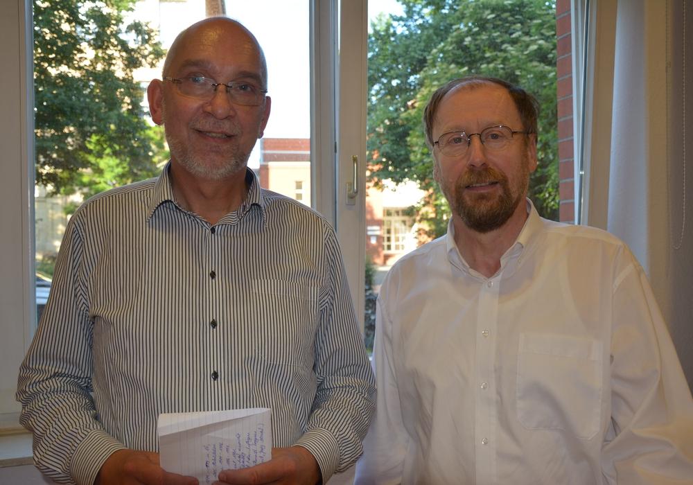 Superintendent Dr. Volker Menke (links)  und Professor Dr. Udo Schnelle. Foto: Kirchenkreis