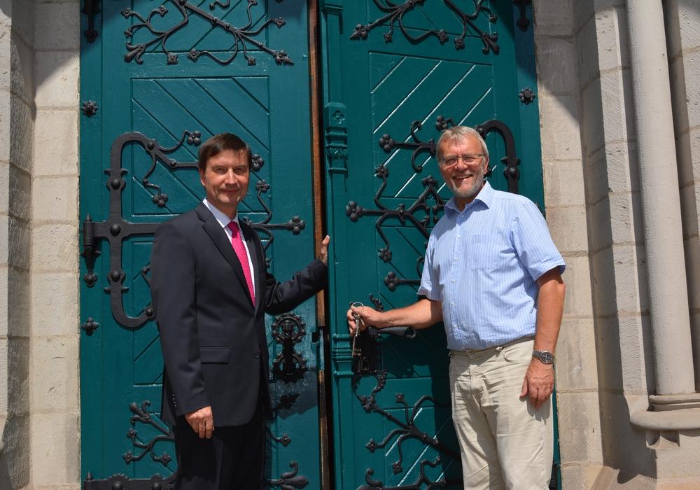 Für die Renovierung der Tür wurde gesammelt. Foto: Ev.-luth. Kirchenkreis Peine