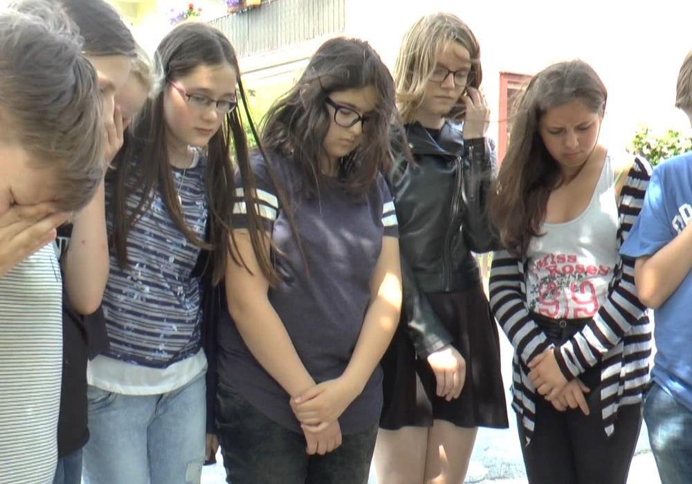"""""""Wenn der Himmel uns auf den Kopf fällt…"""" ist eine von vier Premieren, die auf die Zuschauer warten. Foto: Jugendpflege der Gemeinde Vechelde/ Filmwerkstatt Vechelde"""