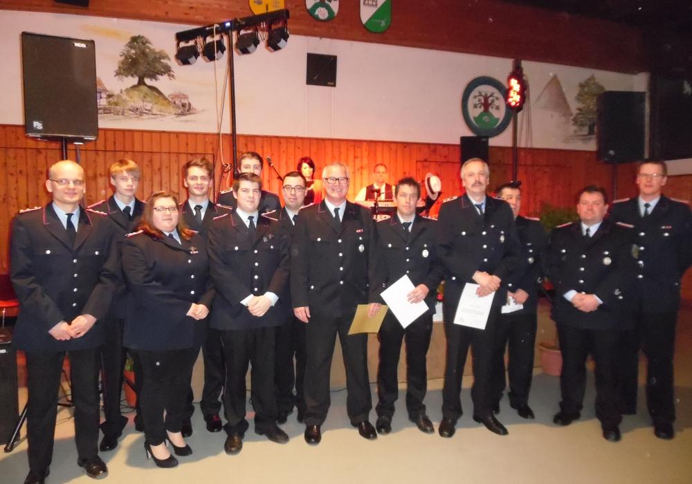 Auszeichnungen und Ehrungen der Feuerwehr Evessen beim Kameradschaftsabend. Foto: Privat