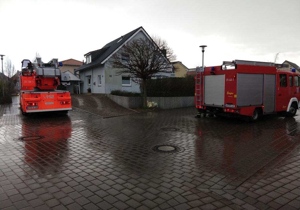 Im Rilkeweg brannte eine Mülltonne. Foto: Werner Heise