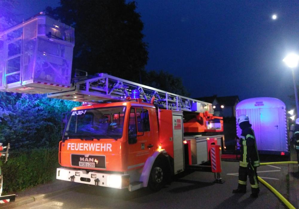 Die Feuerwehr war mit einem Leiterwagen im Einsatz. Foto: Freiwillige Feuerwehr Vorsfelde